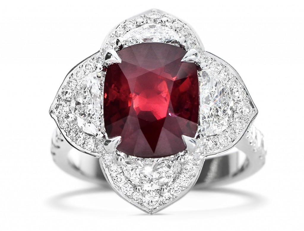 5.04 CARAT, NATURAL RED MOZAMBIQUE RUBY RING